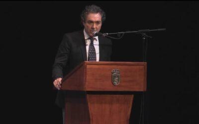 Antonio Camaró presenta 'L'Homme Postmoderne' ante más de un centenar de empresarios en el Teatro Campoamor de Oviedo