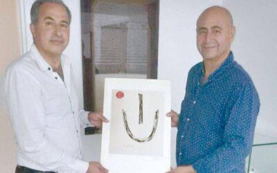 El artista español Antonio Camaro en el Jordan National Gallery of fine Arts